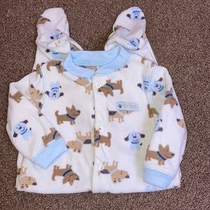5/$20'Carters 3/6 m fleece snap dog print